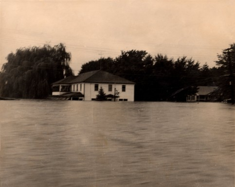 The Anchor Hotel and Restaurant right after the peak of the 1955 Flood