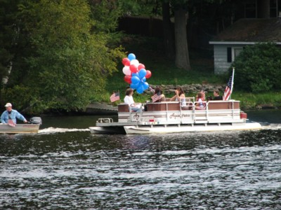 9-11-Pontoon-Boat-parade